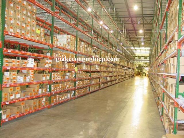 Giá kệ công nghiệp chứa hàng trong kho sơn tĩnh điện