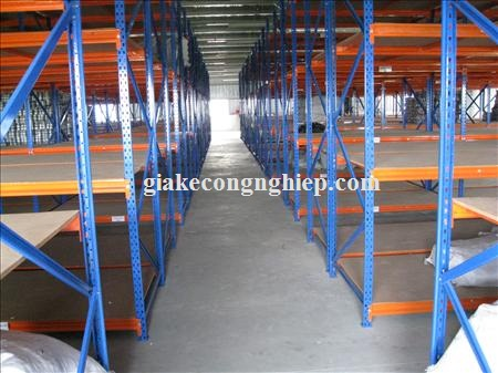 Sản phẩm giá kệ công nghiệp chất lượng