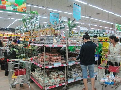 Cách bày trí giá kệ siêu thị để hàng